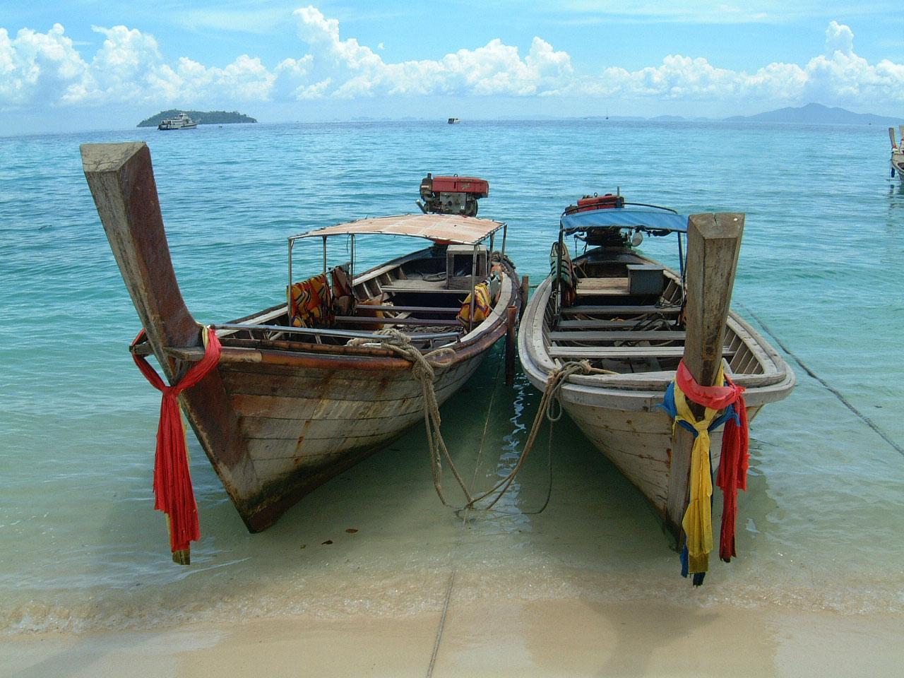 Thailand Phi Phi Island panoramic scenes Mar 2003 04