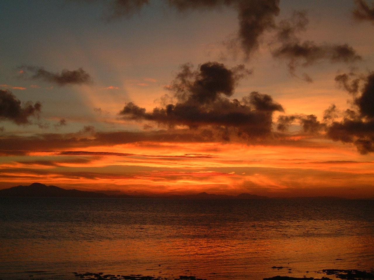 Thailand Phi Phi Island panoramic scenes Sunrise Apr 2003 02