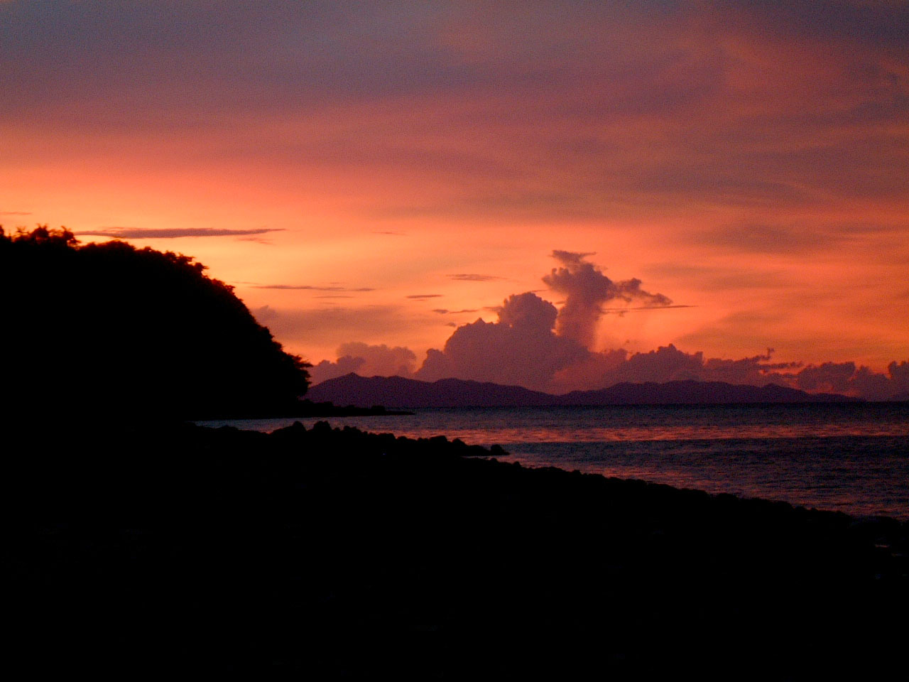 Thailand Phi Phi Island panoramic scenes Sunset Apr 2003 01