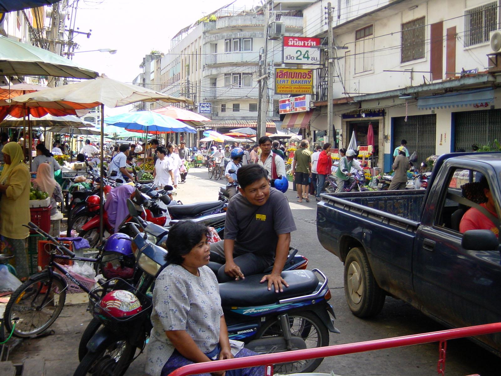 Buddhist Pilgrimage Southern Thailand Apr 2001 28