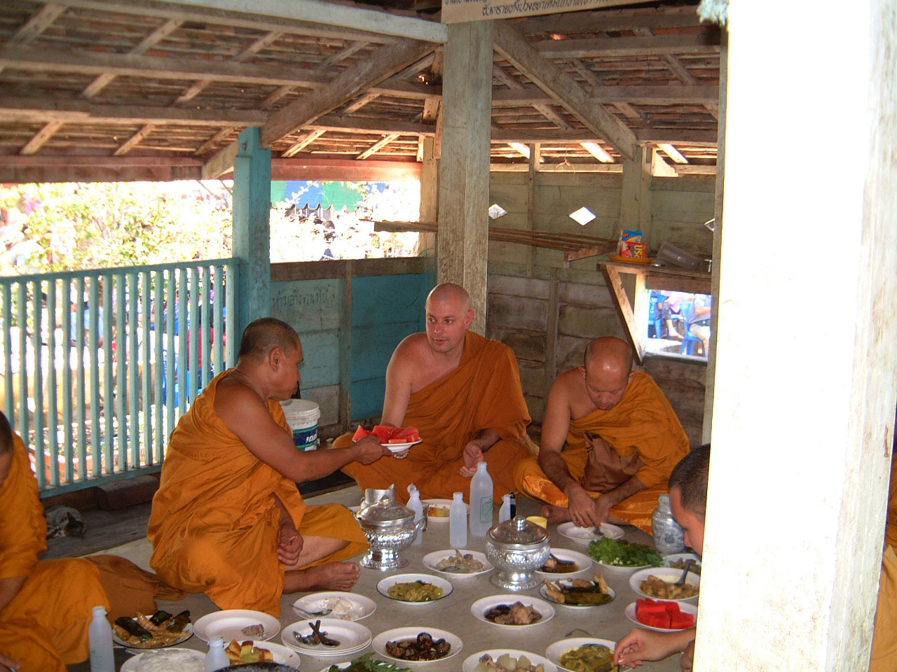 Buddhist Pilgrimage Southern Thailand dharma lunch 2001 07