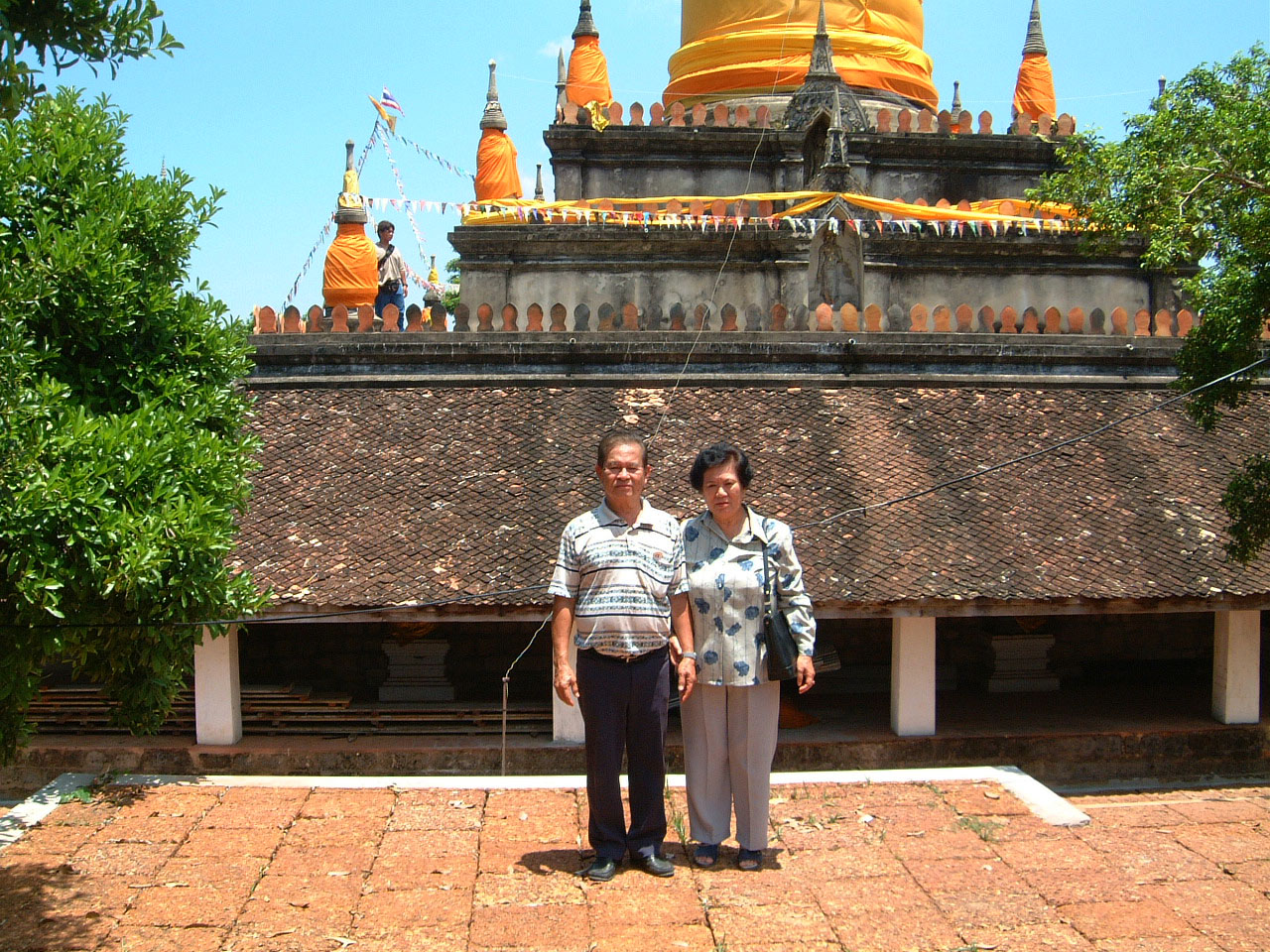 Buddhist Pilgrimage to Southern Thailand Wats Apr 2001 16