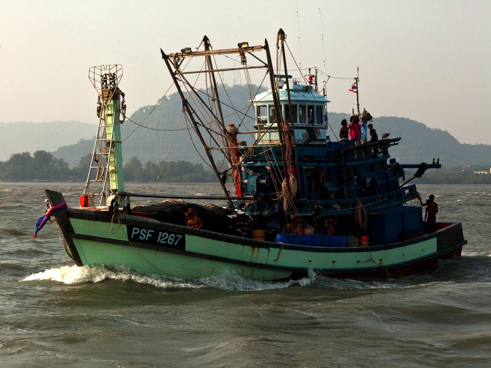 Thai fishing boat PSF 1267 Phuket Province Thailand 01