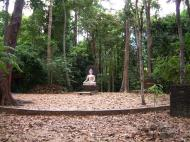 Asisbiz Buddhist Pilgrimage Southern Thailand Apr 2001 07