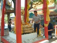 Asisbiz Buddhist Pilgrimage to Southern Thailand Wats Apr 2001 10