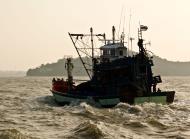 Asisbiz Thai fishing boat PSF 2266 Phuket Province Thailand 01