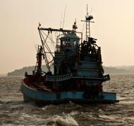 Asisbiz Thai fishing boat PSF 3274 Phuket Province Thailand 01