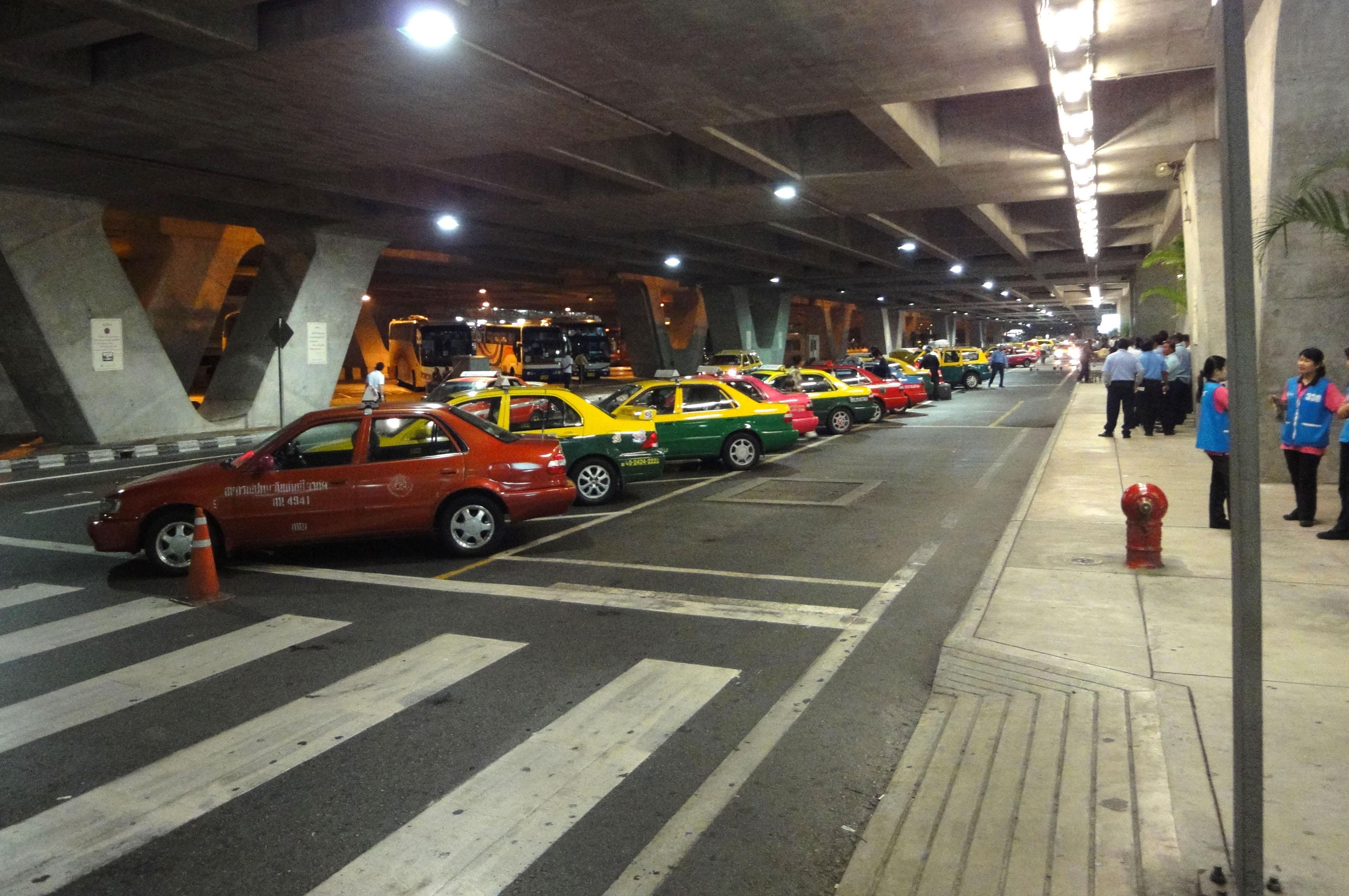 Taxi stand Suvarnabhumi Airport Thailand 2009 01