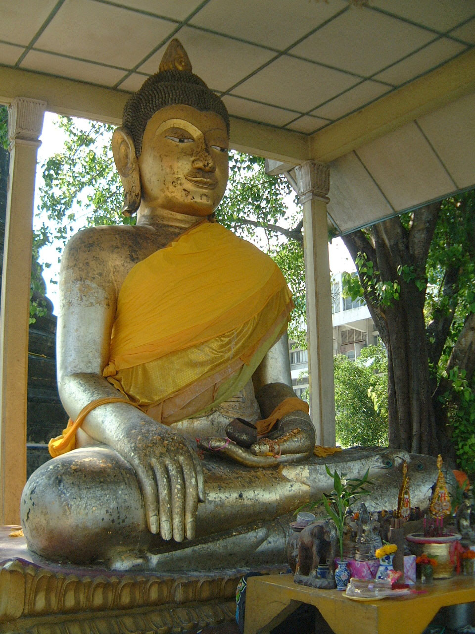 Nakhon Srithammarat Buddhist Pilgrimage to Southern Thailand Apr 2001 04