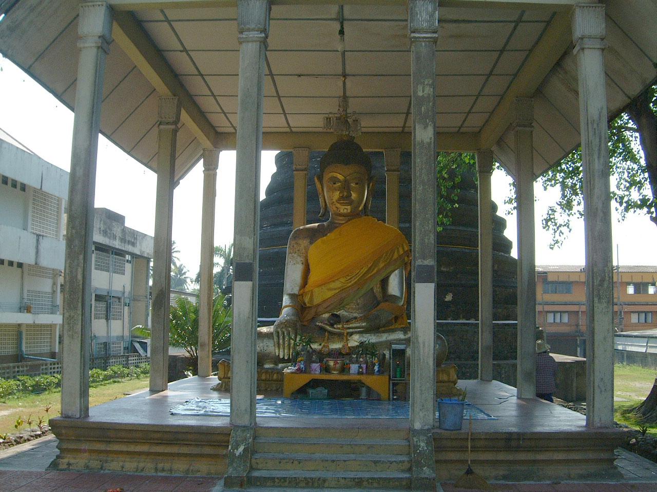 Nakhon Srithammarat Buddhist Pilgrimage to Southern Thailand Apr 2001 06