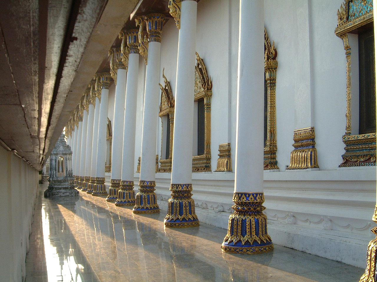 Wat Phra Baromathat Nakhon Srithammarat Apr 2001 09