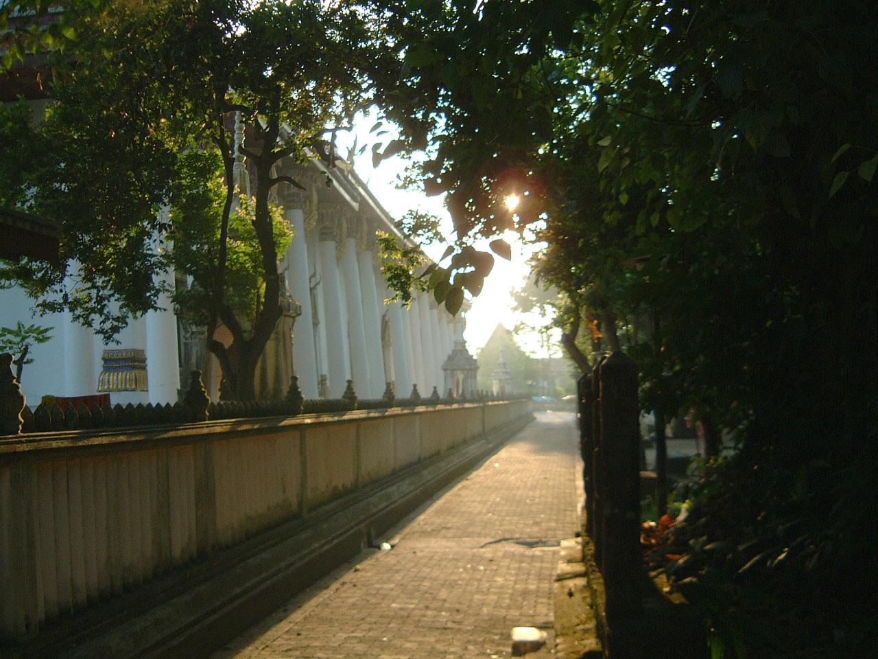 Wat Phra Baromathat Nakhon Srithammarat Apr 2001 11