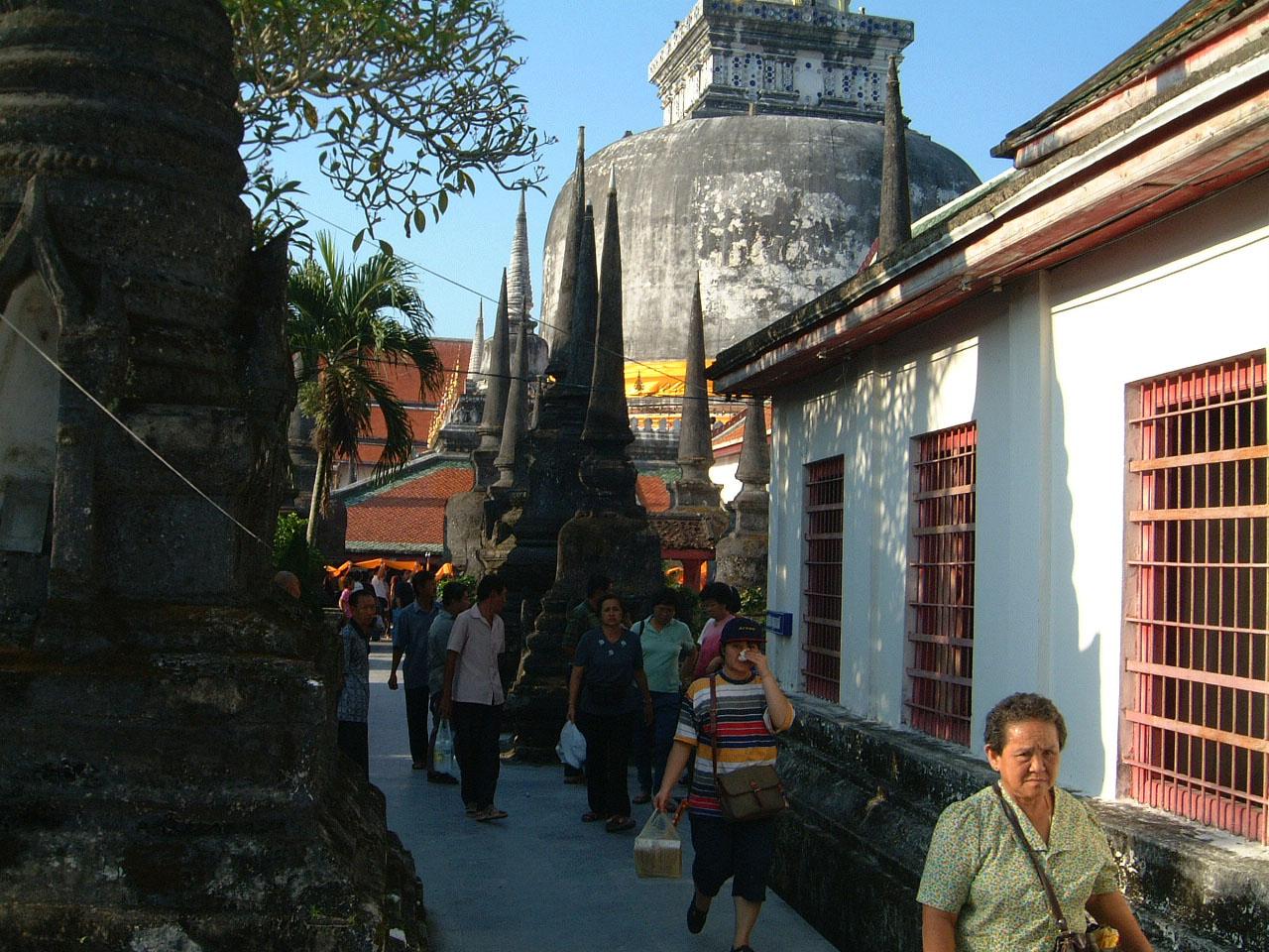 Wat Phra Baromathat Nakhon Srithammarat Apr 2001 30
