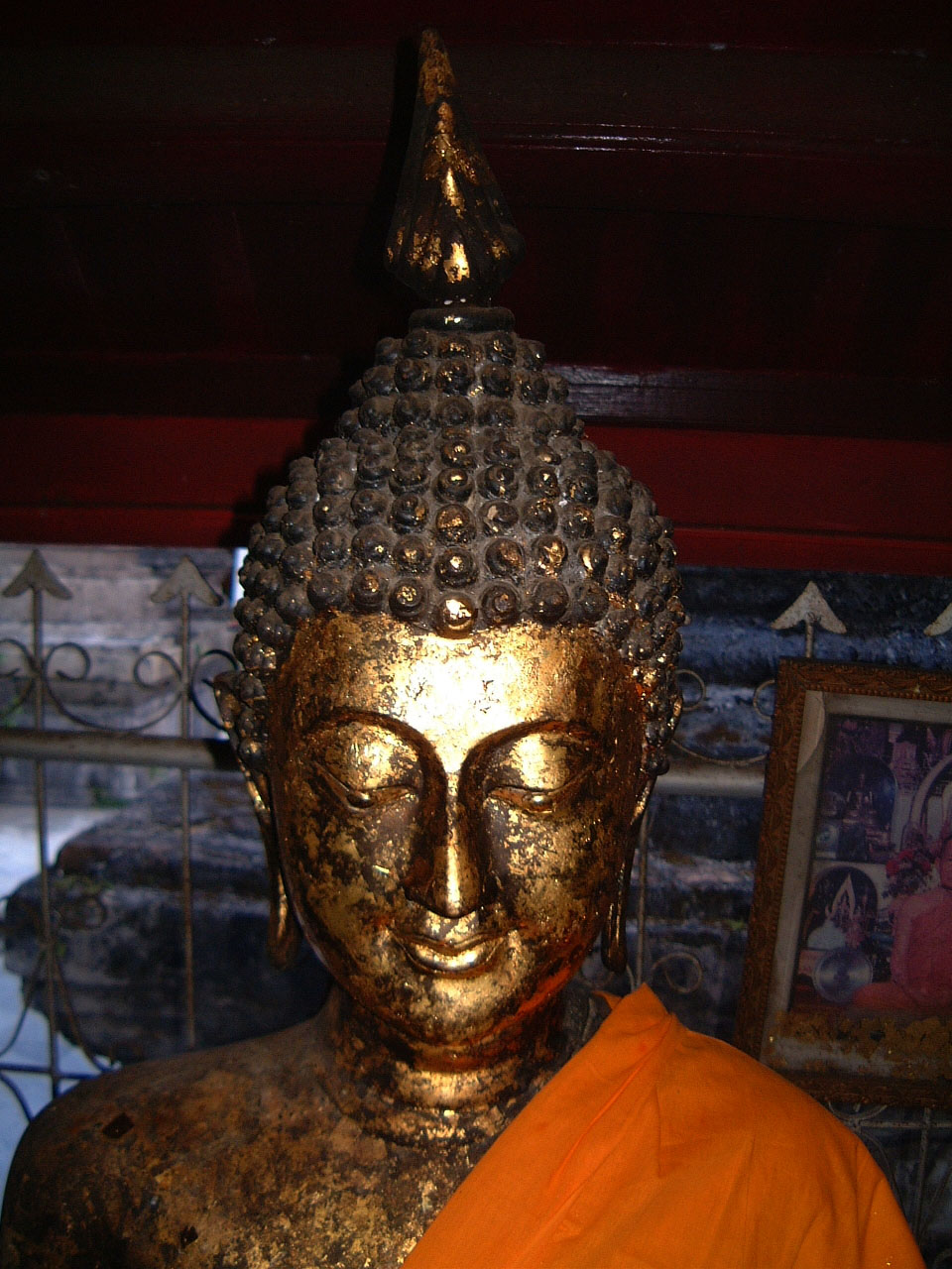 Wat Phra Baromathat Nakhon Srithammarat Buddhas Apr 2001 10