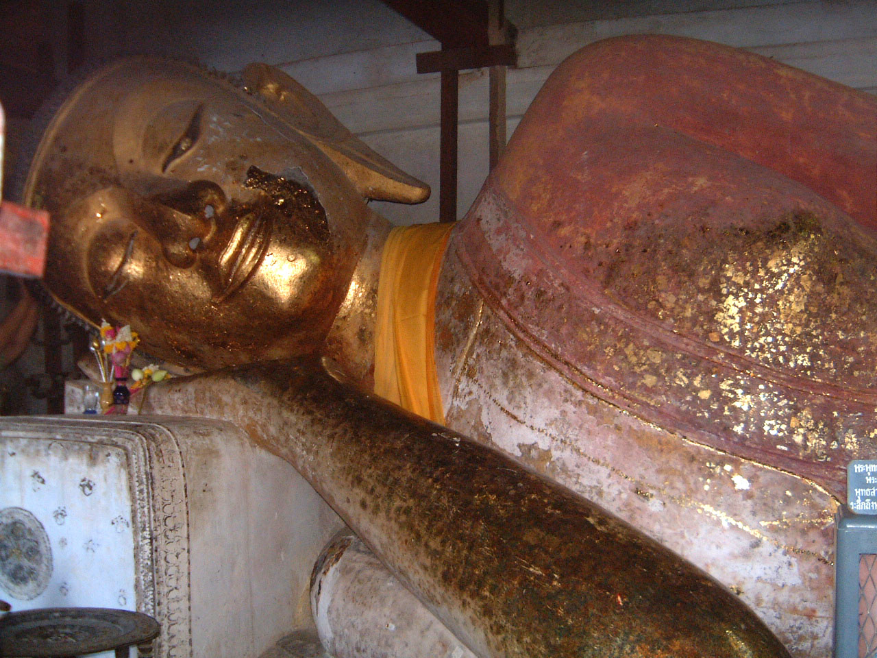 Wat Phra Baromathat Nakhon Srithammarat Buddhas Apr 2001 24