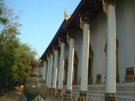 Asisbiz Wat Phra Baromathat Nakhon Srithammarat Apr 2001 05