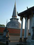 Asisbiz Wat Phra Baromathat Nakhon Srithammarat Apr 2001 06