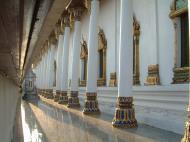 Asisbiz Wat Phra Baromathat Nakhon Srithammarat Apr 2001 09