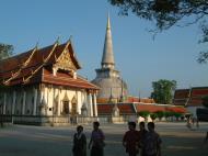 Asisbiz Wat Phra Baromathat Nakhon Srithammarat Apr 2001 12