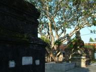 Asisbiz Wat Phra Baromathat Nakhon Srithammarat Apr 2001 33