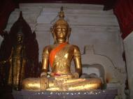 Asisbiz Wat Phra Baromathat Nakhon Srithammarat Buddhas Apr 2001 04