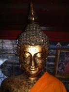 Asisbiz Wat Phra Baromathat Nakhon Srithammarat Buddhas Apr 2001 10