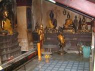 Asisbiz Wat Phra Baromathat Nakhon Srithammarat Buddhas Apr 2001 13