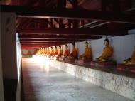 Asisbiz Wat Phra Baromathat Nakhon Srithammarat Buddhas Apr 2001 16