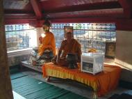 Asisbiz Wat Phra Baromathat Nakhon Srithammarat Buddhas Apr 2001 26
