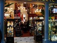 Asisbiz 1 Hotel Venetian 3355 Las Vegas Blvd designer shops 01