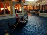 Asisbiz 1 Hotel Venetian 3355 Las Vegas Blvd designer shops 03