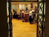 Asisbiz 1 Hotel Venetian 3355 Las Vegas Blvd designer shops 04