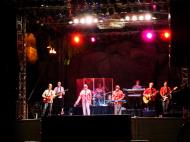 Asisbiz 1 Las Vegas Blvd the beach boys playing mandalay bay 02
