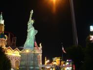 Asisbiz 1 Las Vegas Blvd the strip at night 03