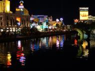 Asisbiz 1 Las Vegas Blvd the strip at night 09