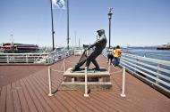 Asisbiz The fisherman statue by Jesse Corsaut Old Fishermans Grotto Wharf Monterey CA 08