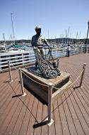 Asisbiz The fisherman statue by Jesse Corsaut Old Fishermans Grotto Wharf Monterey CA 12