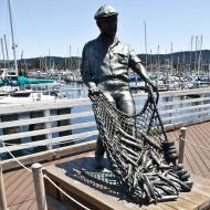 Asisbiz The fisherman statue by Jesse Corsaut Old Fishermans Grotto Wharf Monterey CA 14