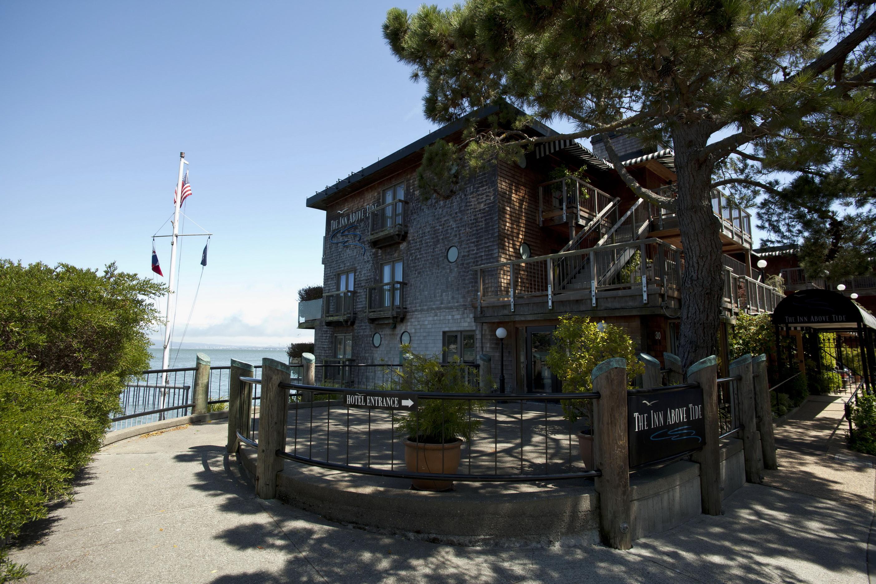 Asisbiz Sausalito The Inn Above Tide