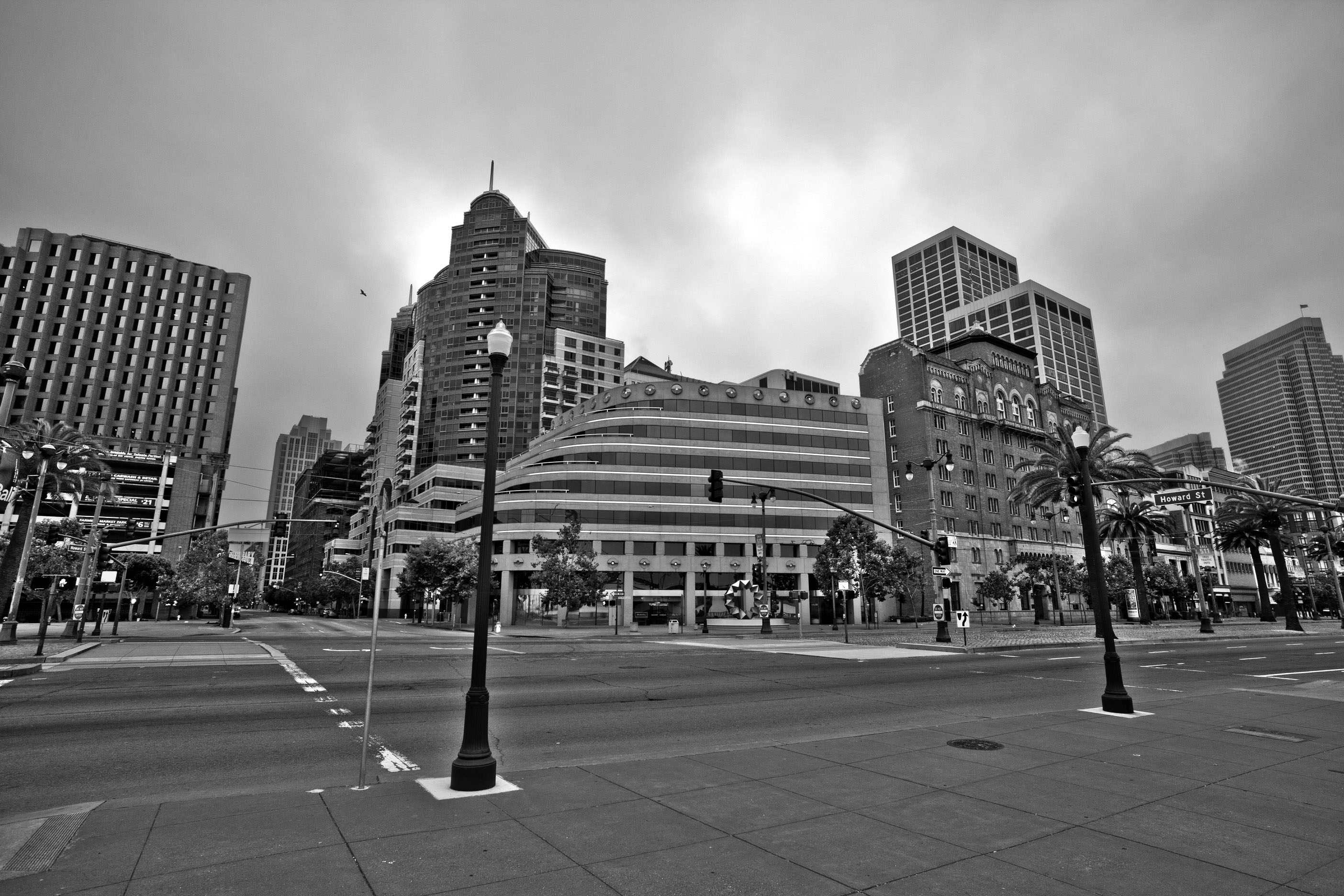 Architecture cnr Howard and The Embarcadero San Francisco CA July 2011 05