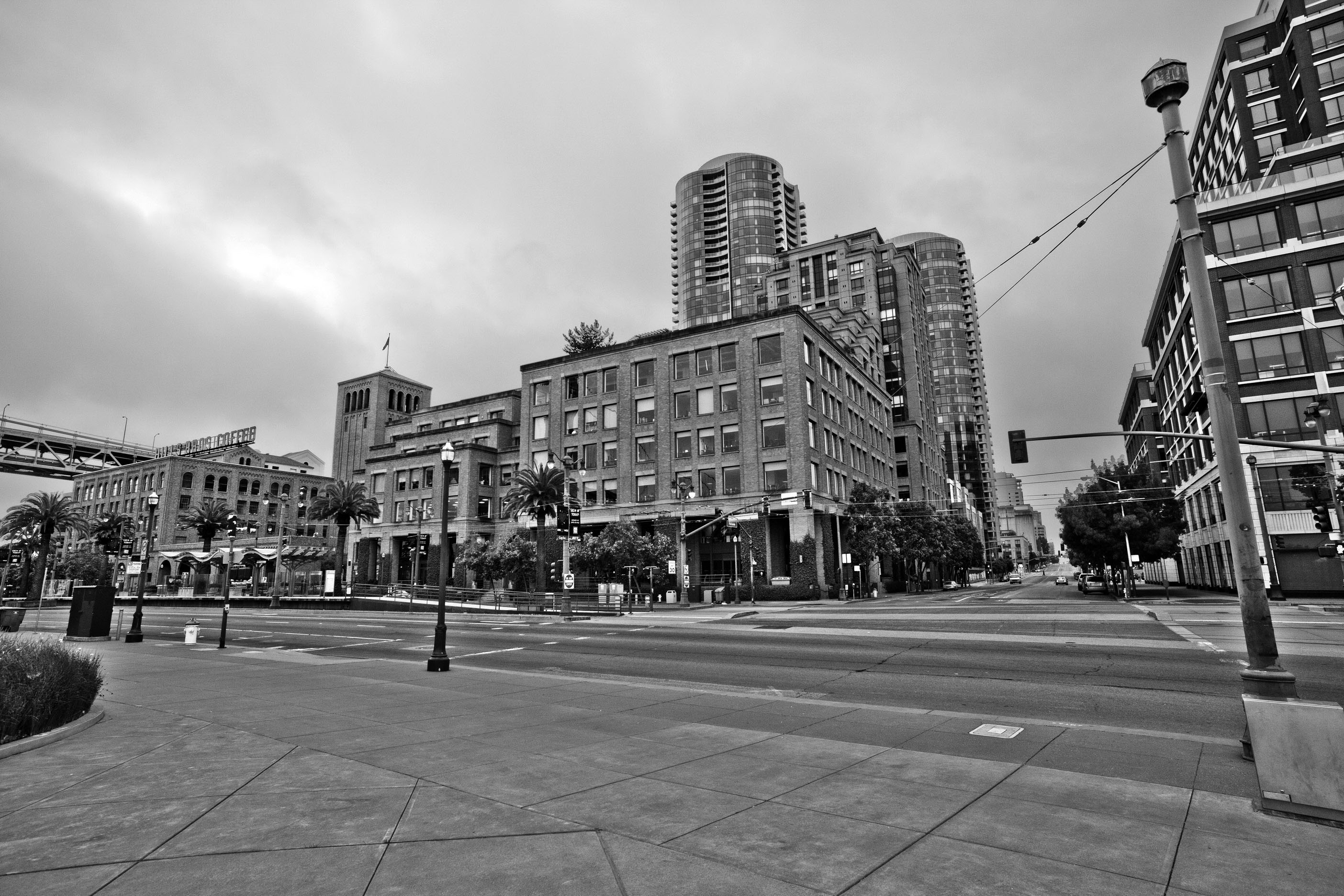 Architecture cnr The Embarcadero and Folsom St San Francisco CA July 2011 04