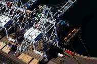 Asisbiz MV Cosco Felixstowe IMO 9246401 being unloaded Long Beach Terminals California May 2012
