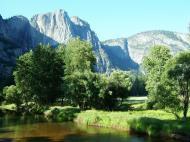 Asisbiz Yosemite National Park Merced River Aug 2004 01