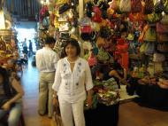 Asisbiz HCMC Ben Thanh Markets Jewelry stalls Nov 2009 01