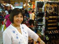 Asisbiz HCMC Ben Thanh Markets Jewelry stalls Nov 2009 06