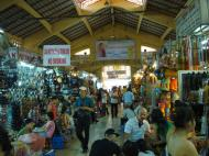 Asisbiz HCMC Ben Thanh Markets stalls Nov 2009 02