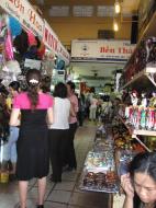 Asisbiz HCMC Ben Thanh Markets stalls Nov 2009 03