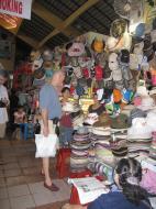 Asisbiz HCMC Ben Thanh Markets stalls Nov 2009 05