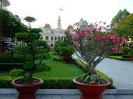 Asisbiz Vietnam Ho Chi Minh City Hall Park Feb 2009 05