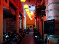 Asisbiz Vietnam Saigon HCMC Dong Khoi St shops Nov 2009 13